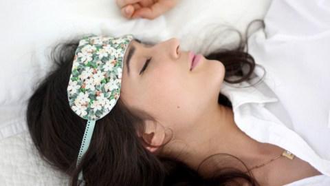 A DIY Sleep Mask to Help You Catch Up on Beauty Rest | StyleCaster
