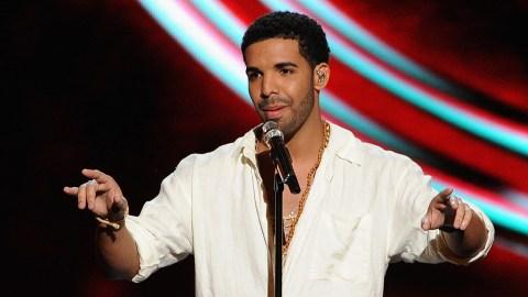 YESSSS: Drake Remixed 'Hotline Bling' for the Super Bowl | StyleCaster
