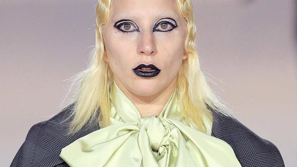 Of Course Lady Gaga Bleaches Her Own Eyebrows Every Damn Day