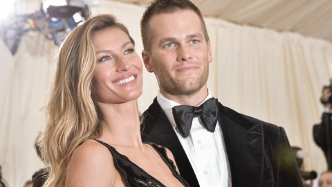 Fans Are Going Wild for Tom Brady & Gisele Bündchen at Super Bowl VIII | StyleCaster
