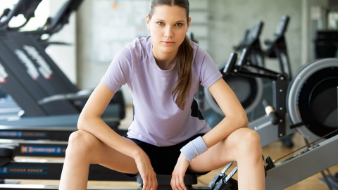 Rowing Classes: A Brutal But Effective Way to Burn Calories   StyleCaster