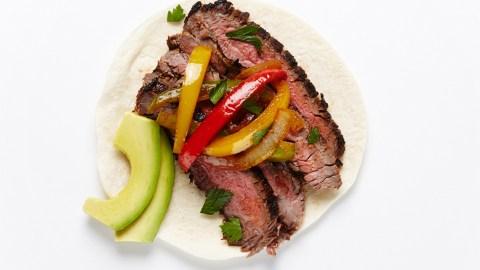 Tonight's Dinner Plan: This Easy Steak Fajita Recipe   StyleCaster