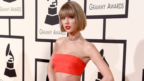 All the Best Fashion from the 2016 Grammy Awards | StyleCaster