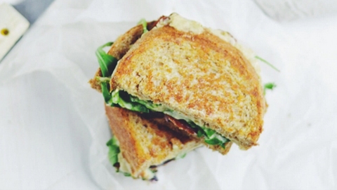 Oh Yes, Vegan Grilled Cheese Exists—and It's Amazing | StyleCaster
