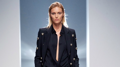 Talking Style, Social Media, and Sex with Fashion's Most Captivating Supermodel  | StyleCaster