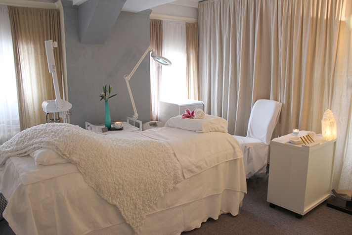 ildi pekar facial room 3 Things I Learned During My Hour with Supermodel Approved Facialist Ildi Pekar