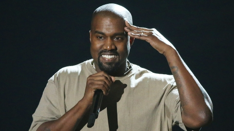 Fans Are Flipping Out Over Kanye's TLOP Pop-Up Shop | StyleCaster