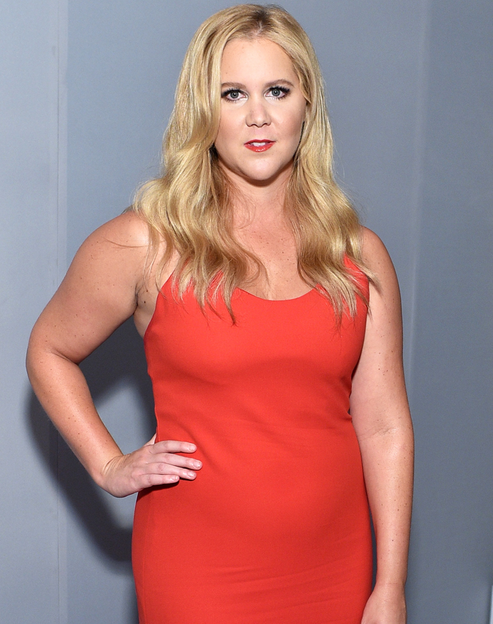 amy schumer 2 Amy Schumer Didnt Know Shed Be in Glamour Magazines Plus Size Issue—and Shes Not Happy