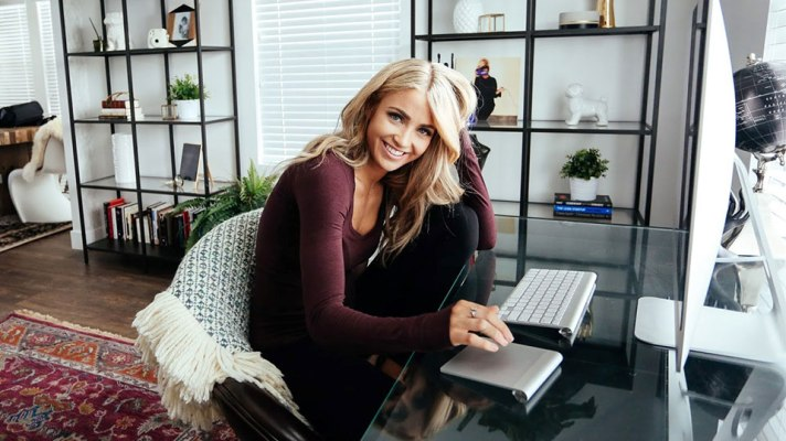 How Fashion Blogger Cara Loren Maximizes Her Sunday