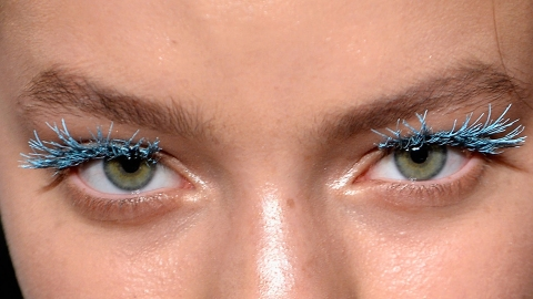 Your Ultimate Guide to Pulling Off Colored Mascara | StyleCaster