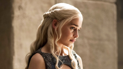 Only One Person on Earth Gets Advance Screeners of 'Game of Thrones'   StyleCaster