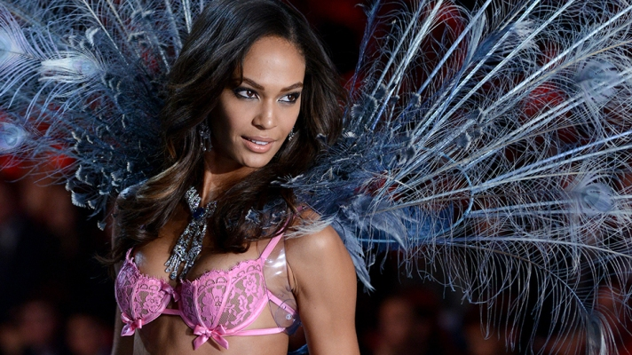 From Cindy Crawford to Karlie Kloss: The 19 Hottest All-American Models