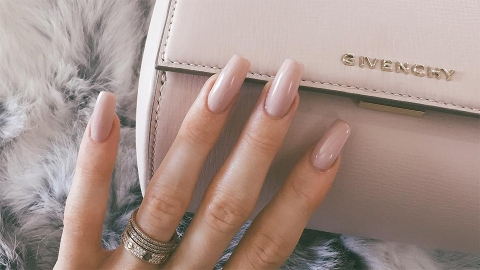 This Impractical New Nail Trend Is All the Rage with the Teens | StyleCaster