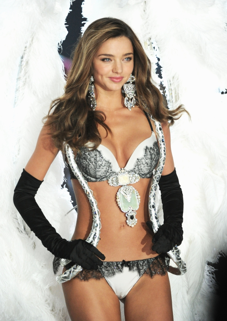 miranda kerr food fitness diary1 Miranda Kerr Spilled Her Diet and Fitness Secrets—and the One Thing Shed Never Eat