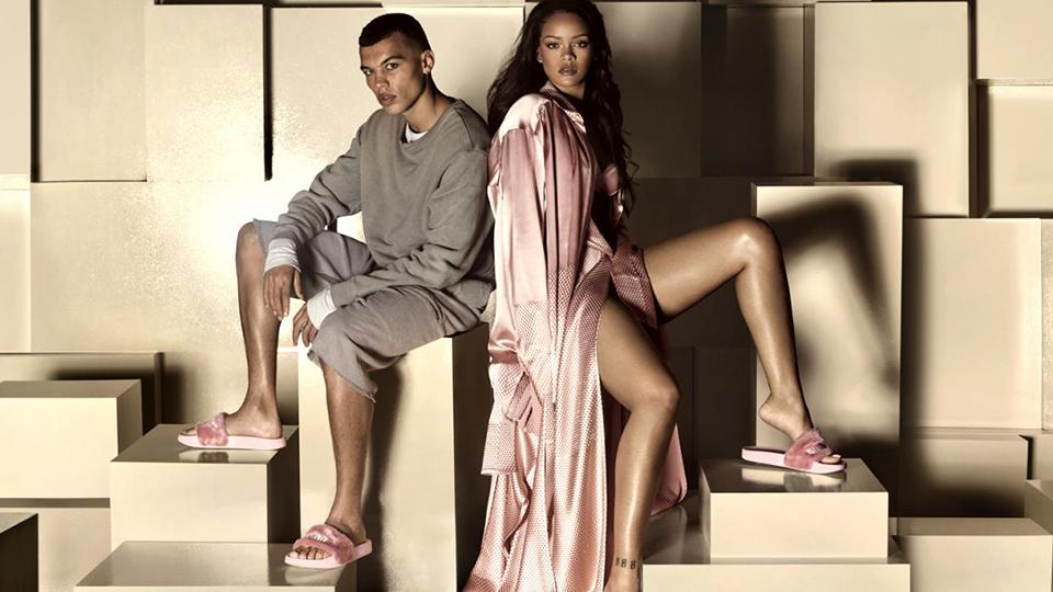 primero Pocos Clasificación  Rihanna's Fur Fenty x Puma Slides Are Here—Here's Where to Buy Them    StyleCaster