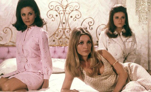 How to Dress Like You're Straight Out of 'Valley of the Dolls'