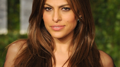 Eva Mendes Is An Angel | StyleCaster
