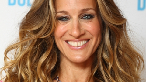 See Who's Playing The Young Carrie Bradshaw! | StyleCaster