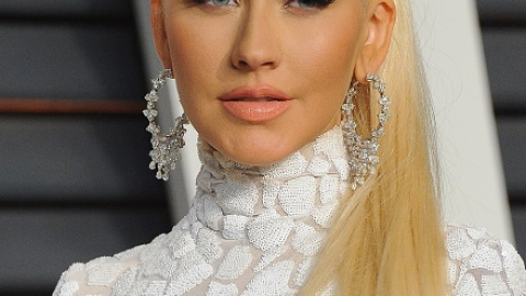 News: Christina Aguilera Makes a Major Hair Change; The Truth About Blackheads | StyleCaster