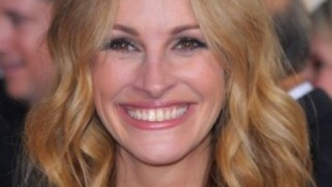 The Secret To Julia Roberts' Smile | StyleCaster