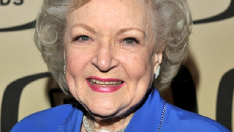 Get A (Betty) White Hot Makeover! | StyleCaster