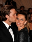 Memorable Kisses from Celebrity Couples
