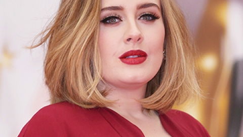 News: A Peek at Adele's Beauty Routine | StyleCaster