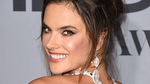 15 To-Die-For Messy Updos | StyleCaster