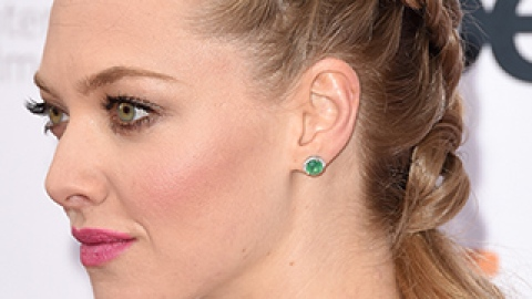 The Secret to Achieving Amanda Seyfried's Gorgeous Half-Up Braid   StyleCaster