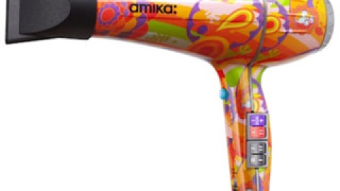 Instant Makeover: Amika's Hairdryer Creates A Blowout And Sleek Strands | StyleCaster