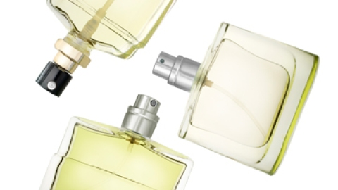 This is the Right Way to Apply Perfume | StyleCaster