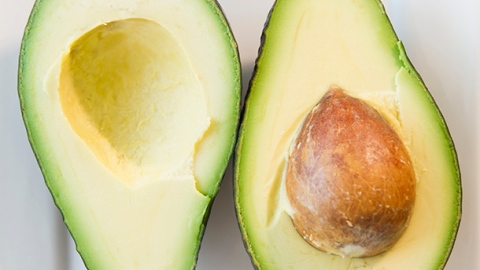 5 Unusual Beauty Uses for Avocado | StyleCaster