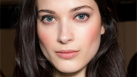 How to Find the Most Flattering Makeup Colors for You | StyleCaster