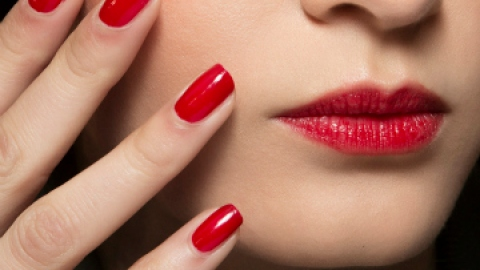 The Classic Red Nail Polishes You Need | StyleCaster