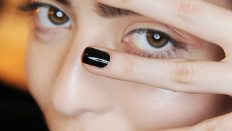 The 5 Best Black Nail Polishes   StyleCaster