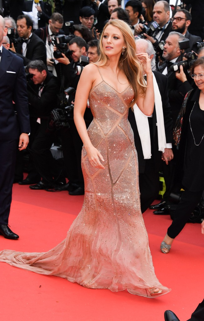 blake lively1 Blake Lively Finally Debuts Her Barely There Baby Bump at Cannes