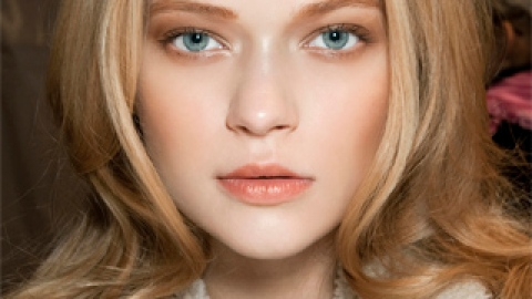 How to Keep Your Blowout Style Looking Fresh Overnight | StyleCaster