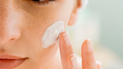 How to Fix Pimples That Won't Go Away | StyleCaster