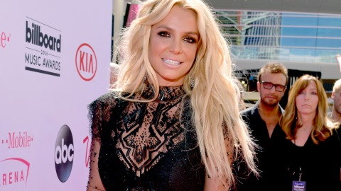 Britney Spears Arrives at Billboard Music Awards, Forgets Pants   StyleCaster