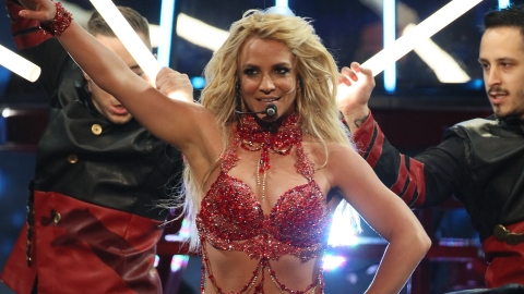 Britney Spears and a Giant Guitar Opened the Billboard Music Awards | StyleCaster