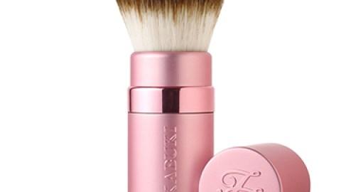 5 Amazing Bronzer Brushes   StyleCaster