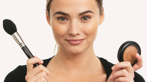 How to Apply Bronzer the RIGHT Way: Video  | StyleCaster