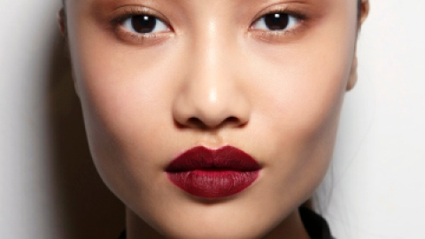 5 Essential Winter Makeup Tips You Need | StyleCaster