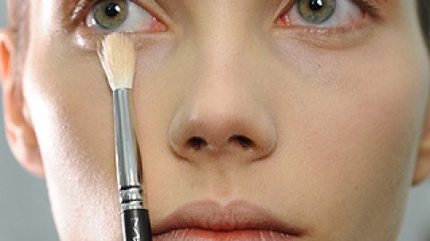How To Use Concealer To Cover Up A Zit, Dark Circles and More | StyleCaster
