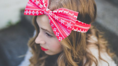 5 Amazing Christmas Hair Accessories   StyleCaster