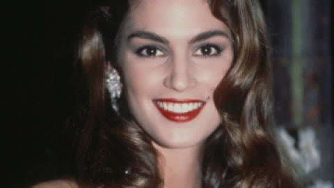 Beauty Throwback: Get Cindy's Flawless '90s Look   StyleCaster