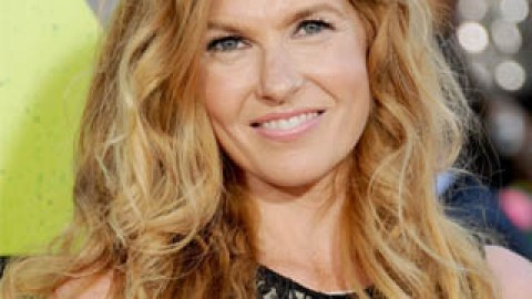 Connie Britton On Her Nashville Beauty Routine; Giving Back | StyleCaster