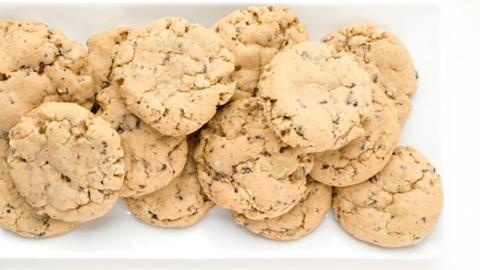 Weekend Baking Project: Creme De Menthe Cookies | StyleCaster