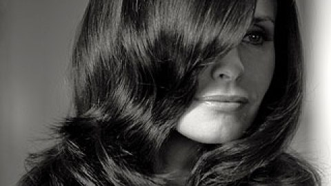 """Courteney Cox's """"Cougar"""" Hair Tips 