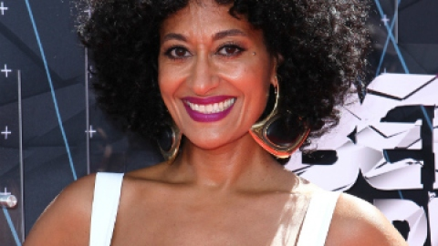 10 Curly Celeb Hairstyles We Love | StyleCaster